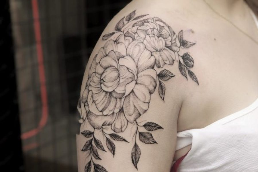 maikoonly_peonies_arm